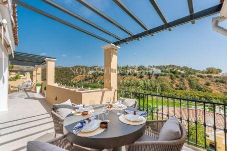 Penthouse for sale in La Quinta, Benahavis