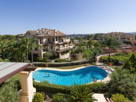 Penthouse for sale in Nueva Andalucia, Marbella