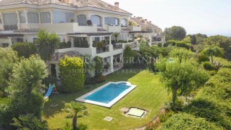 Apartment for sale in Nueva Andalucia, Marbella
