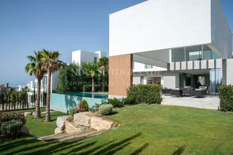 Villa for sale in Los Flamingos, Benahavis