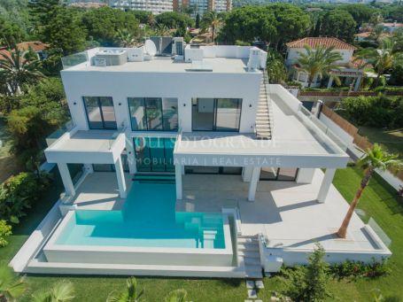 Villa en venta en El Rosario, Marbella Este, Marbella