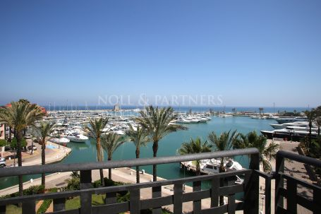 Penthouse for sale in Ribera del Obispo, Sotogrande