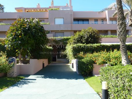 Penthouse for rent in Apartamentos Playa, Sotogrande