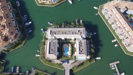 Penthouse for sale in Isla del Pez Barbero, Sotogrande