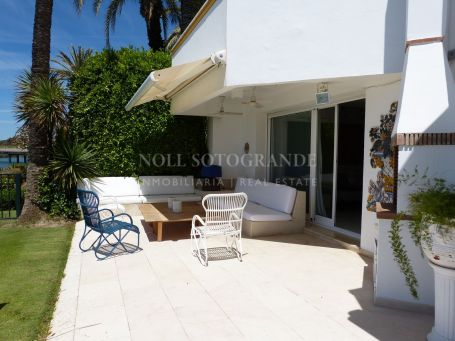 Town House for sale in Apartamentos Playa, Sotogrande