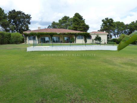 Villa for sale in Reyes y Reinas, Sotogrande