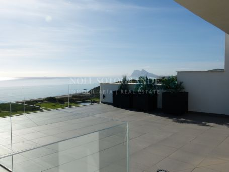 Penthouse for sale in Alcaidesa Costa, Alcaidesa