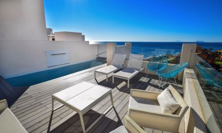 Penthouse for sale in New Golden Mile, Estepona