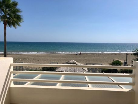 Frontline beach house for sale in Saladillo beach, Estepona
