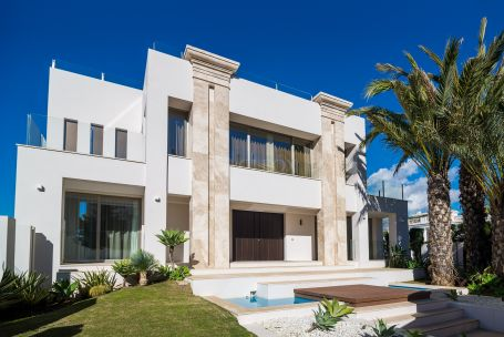 Brand new modern villa, for sale in Marbella Golden Mile, 50 m from the beach