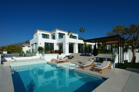 A new contemporary luxury villa for sale in Nueva Andalucia, Marbella, with panoramic views