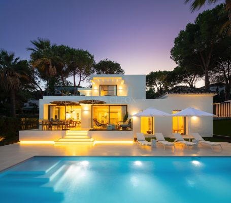 Brand new contemporary villa, for sale in Nueva Andalucia, Las Brisas Golf