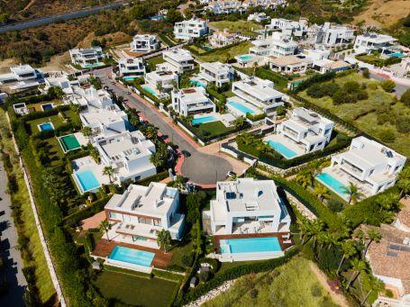 Development in Los Olivos, Nueva Andalucia