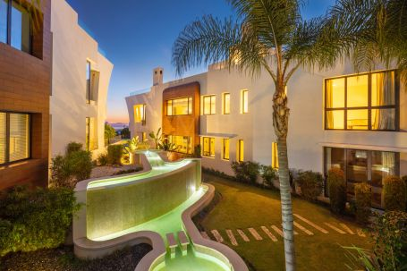 Penthouse for sale in Sierra Blanca, Marbella Golden Mile