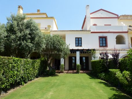 Town House for rent in Los Cortijos de la Reserva, Sotogrande