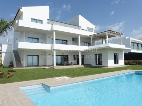 Villa for rent in Alcaidesa