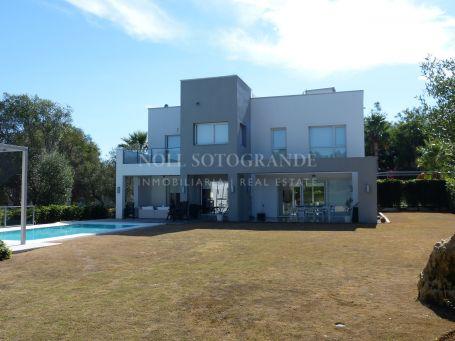 Villa zum Verkauf in Sotogrande Costa, Sotogrande