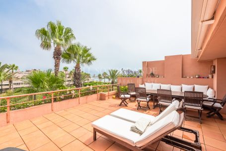 Duplex Penthouse for sale in Apartamentos Playa, Sotogrande