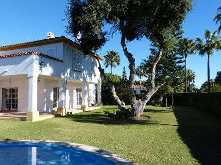 Villa for sale in Zona B, Sotogrande
