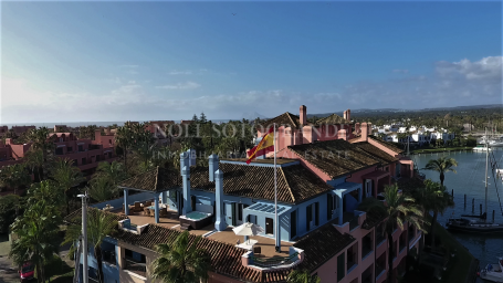 Penthouse for sale in Ribera del Delfin, Sotogrande