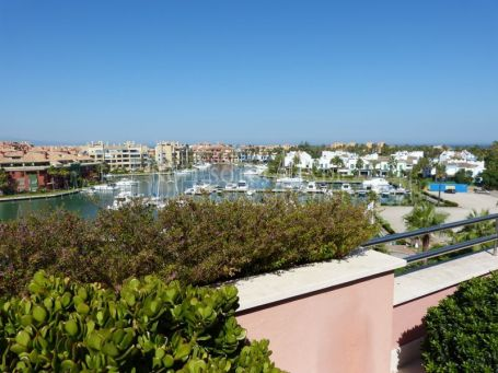 Penthouse for sale in Ribera de la Tenca, Sotogrande