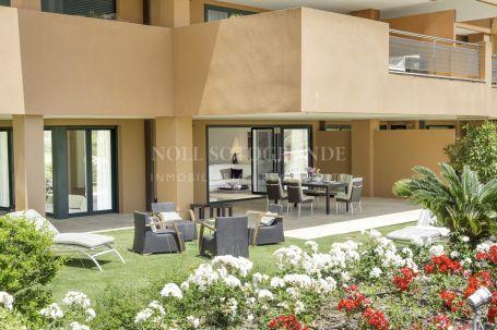 Apartamento en venta en Ribera del Marlin, Sotogrande