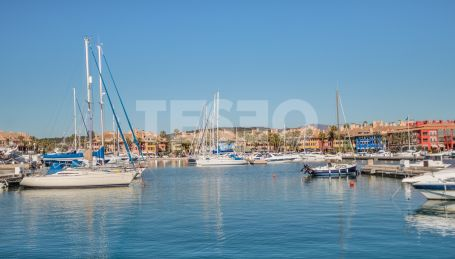 Spacious apartment in the Port of Sotogrande