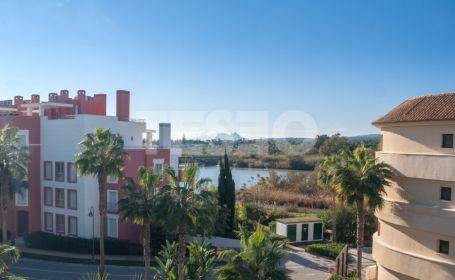 Stunning apartment with wonderful views of boats and Gibraltar