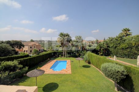 Large Townhouse for sale with Private Pool and South Orientation