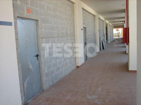 Retail corner side in Pueblo Nuevo de Guadiaro