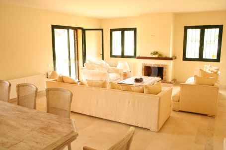 Semi-Detached House for Rent in Sotogolf, Sotogrande