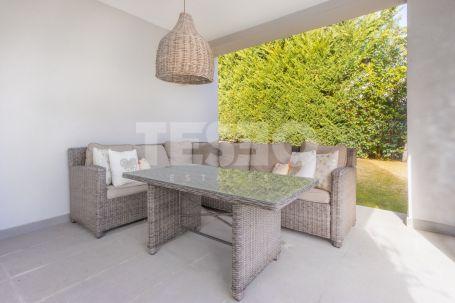 Beautiful contemporary villa for sale in a quite area of Sotogrande Costa