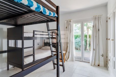 Recently refurbished villa in a lovely area of Sotogrande Alto.