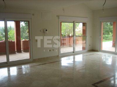 Charming villa for sale located in Sotogrande Alto