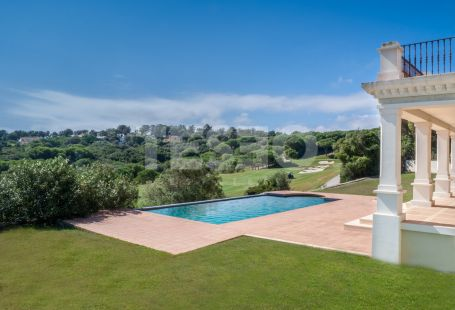 Magnificent villa for sale located first line golf of la Reserva