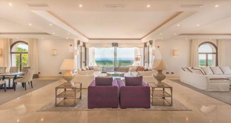 Spectacular three storey villa located in the prestigious area of La Reserva de Sotogrande