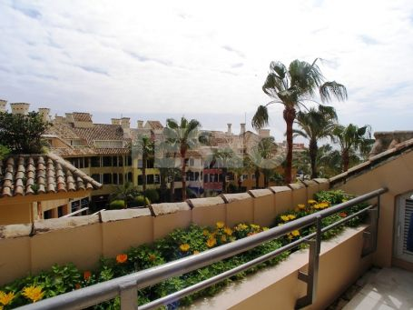 Penthouse with Stunning View in la Marina de Sotogrande
