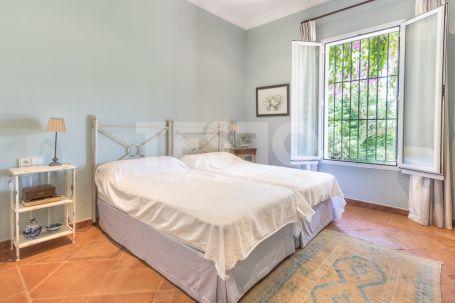 Villa for Sale in Reyes & Reinas, Sotogrande