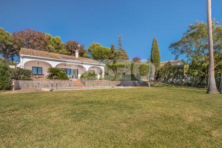 Villa in Sotogrande Alto with Sea View