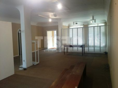 COMERCIAL LOCAL FOR SALE