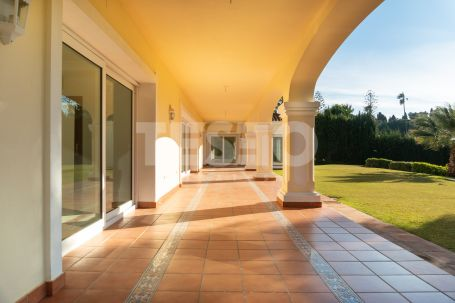 Villa for Sale in one of the best roads of Kings and Queens, Sotogrande Costa