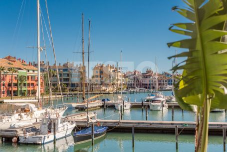 Penthouse with Wonderful Views of the Sotogrande Marina and South Orientation