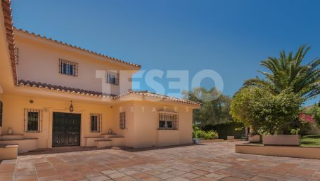 Beautiful family Villa in Sotogrande with great views and South Orientation