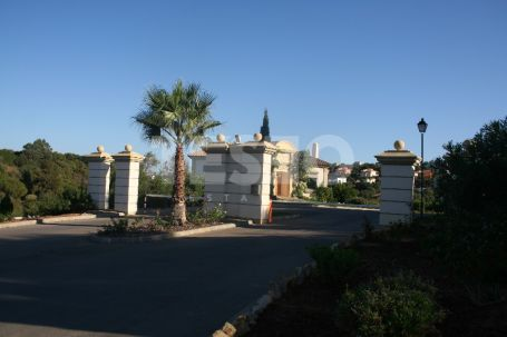 Town House for sale and for rent in Sotogolf, Sotogrande