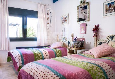 First Floor Apartement in El Polo Urbanization