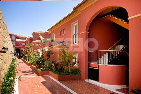 Apartment of generous dimensions in the complex La Mesana
