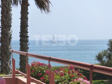 Apartment located in Paseo del Mar with sea views