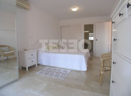 Spacious Apartment in Paseo del Mar