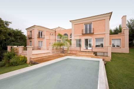 5 Bedrooms Villa for Sale in Sotogrande Alto