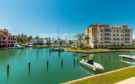 Amplio Apartamento haciendo esquina en Venta y con vistas a la Marina